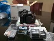 Canon EOS 5D Mark III 22.3MP Full Frame CMOS Digital SLR Camera