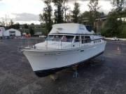 1975 Tollycraft 40' Tri-Cabin Boat